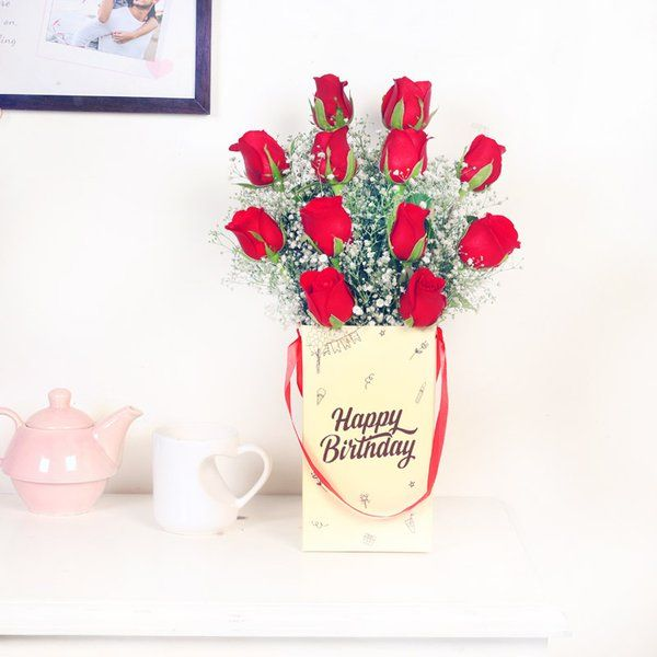 FlowerAura Classic Red Beauty Roses For Birthday