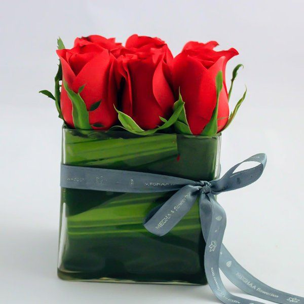 FlowerBox Red Roses In A 4x4 Glass Vase Online Flower Delivery