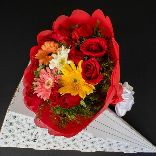 HalfCute Local 10 Red Roses 5 Gerbera (Mixed Colors) Graduation Day Celebration