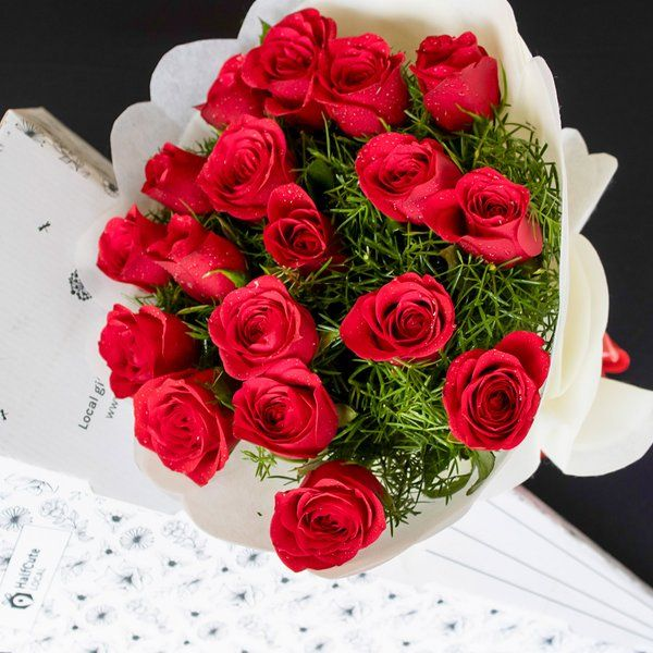 HalfCute Local 20 Red Roses Paper Pack Best Retirement Gifts