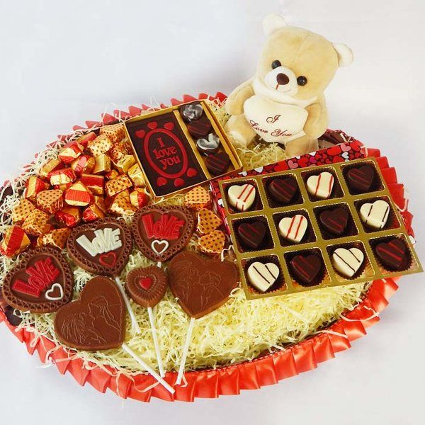 Jus'Trufs Chocolatiers All My Love Chocolate Valentine Hamper Birthday Gifts For Boyfriend