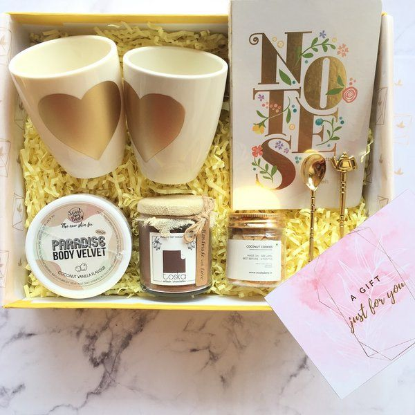 Mauvelush Date Me Box - I Gifts For Couples