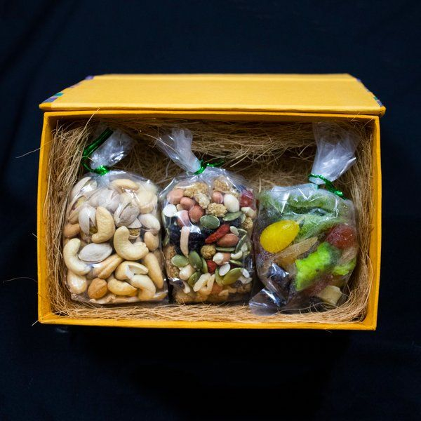 GoingNuts Mix it up - Fruits & Nuts Hamper 60th Birthday Gifts For Dad
