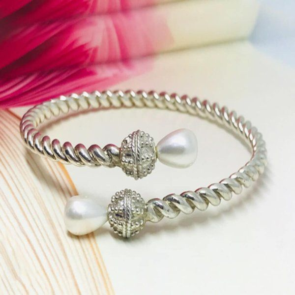 Pure Silver Bracelet Birthday Surprise Ideas for Long Distance Girlfriend