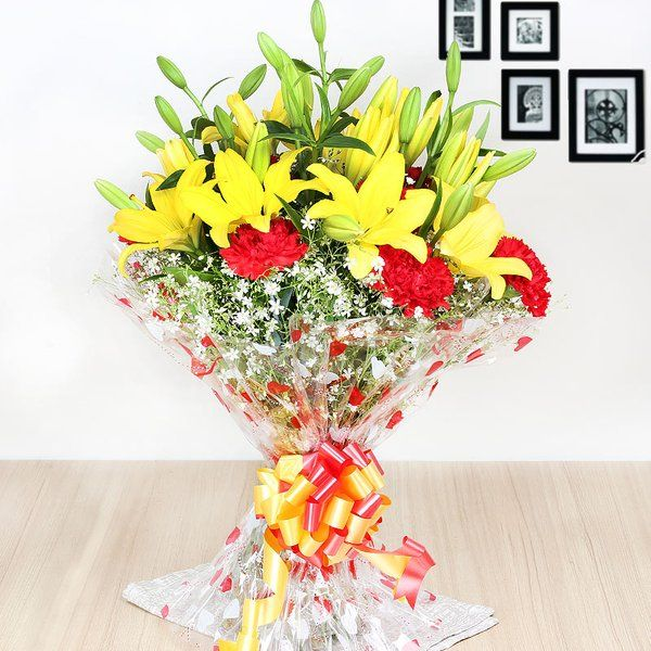 FlowerAura Oozing Love Online Flower Delivery