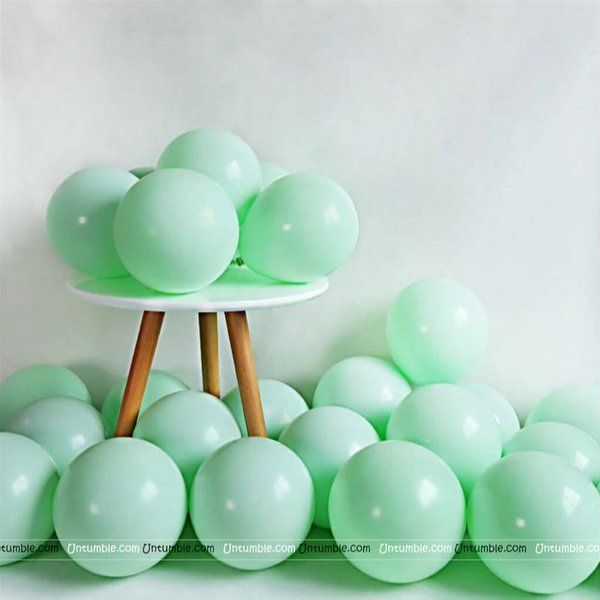 Untumble Pastel Green Balloons New Year Decoration Items