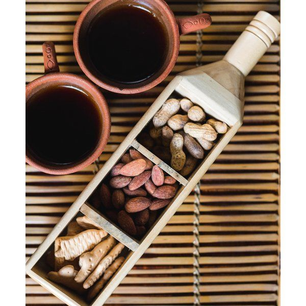Ivei IVEI Wooden Bottle Shaped Shot Glass Holder Personalized Gifts For Womens Day