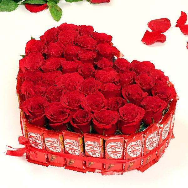 FlowerAura Kitkat Rosey Arrangement 2nd Anniversary Gifts For Husband