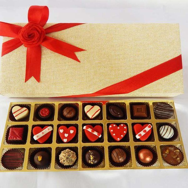 Jus'Trufs Chocolatiers Valentines Day Chocolate Delight Heart Shaped Chocolate Gift Box