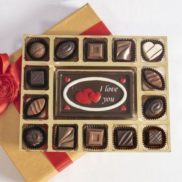 Classic Valentines Chocolate Cheer Gifts for Girlfriend under 1000