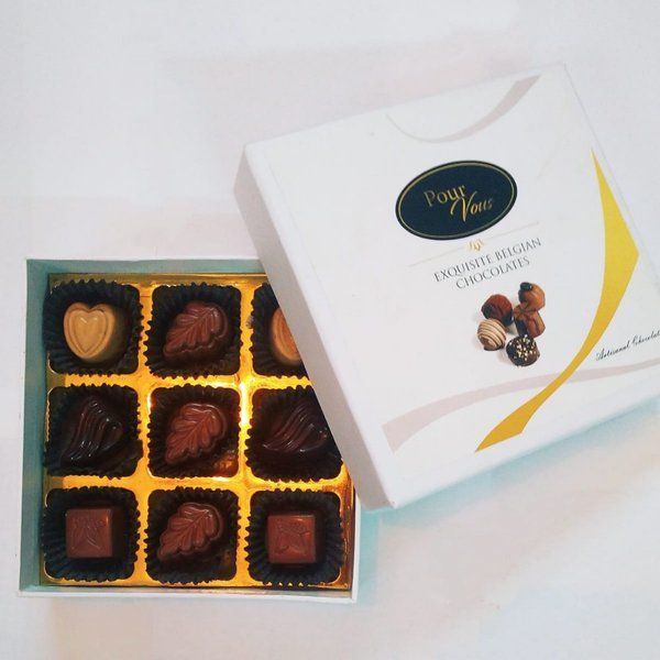 Pour Vous Chocolatier Nine Belgian Truffles And Pralines Assorted Exquisite White Chocolate Gift Box Gifts For 17 Year Old Girls