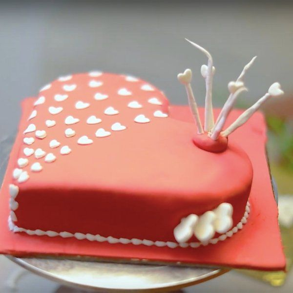 Special Wishes Love Cake Heart Shape Birthday Cakes for Wife