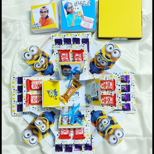 Privy Express Minions Theme Chococlate Explosion Box Explosion Gift Box